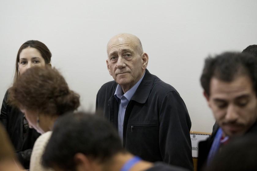 Sfaturile lui Silberstein l-au salvat si pe premierul israelian