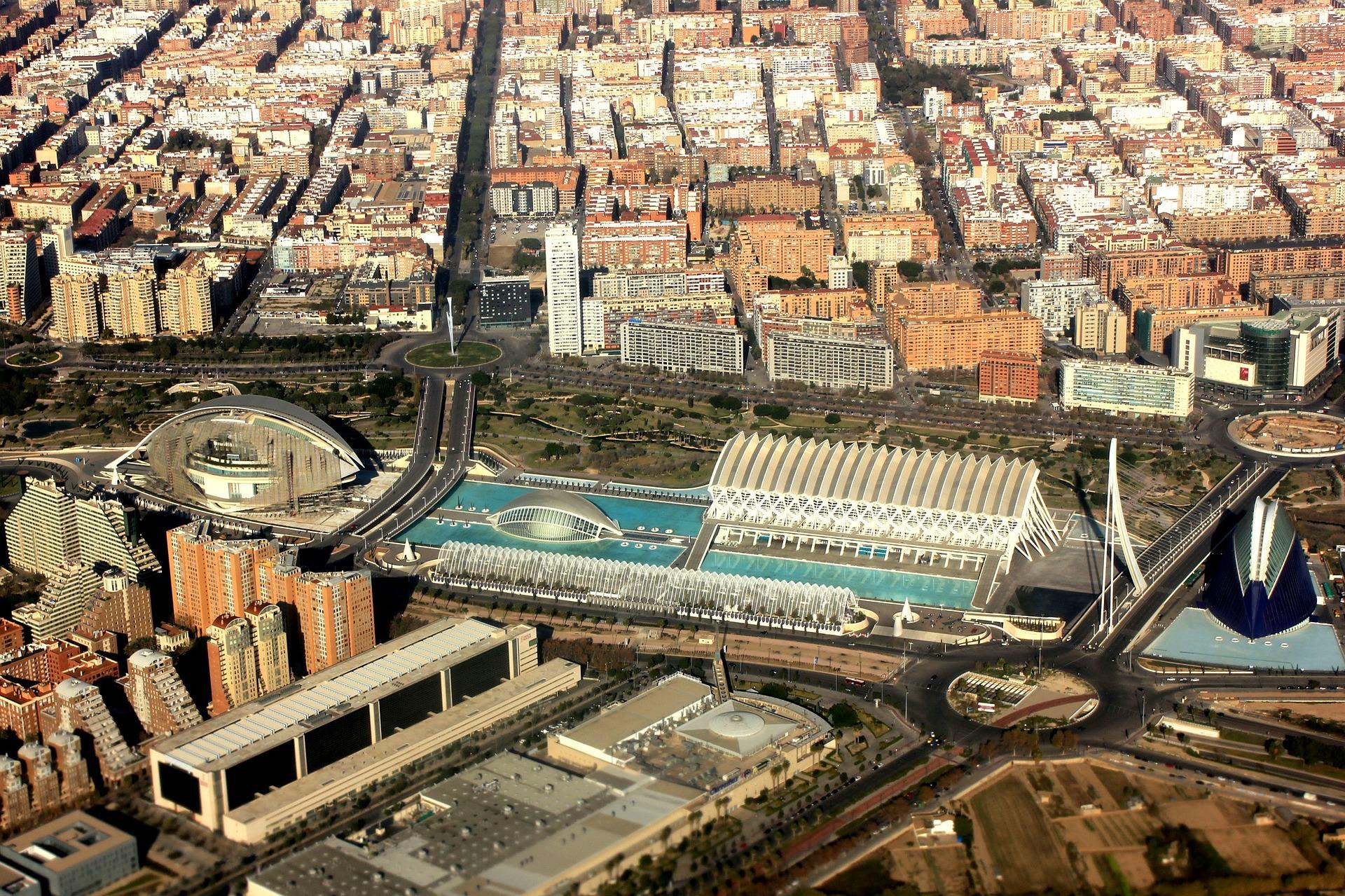 Personal calificat din România va acoperi deficitul de muncă din Valencia, pe durata verii