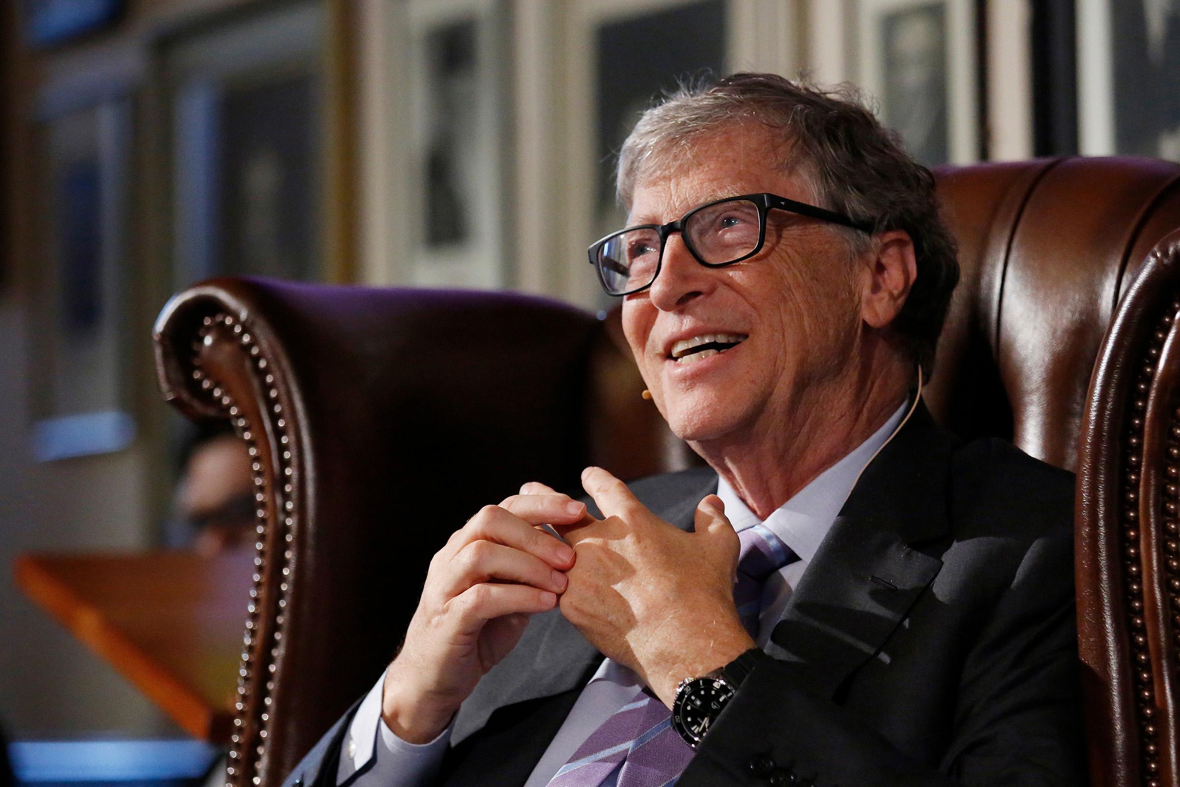 Bill Gates: Televiziunea clasică se va uni cu internetul