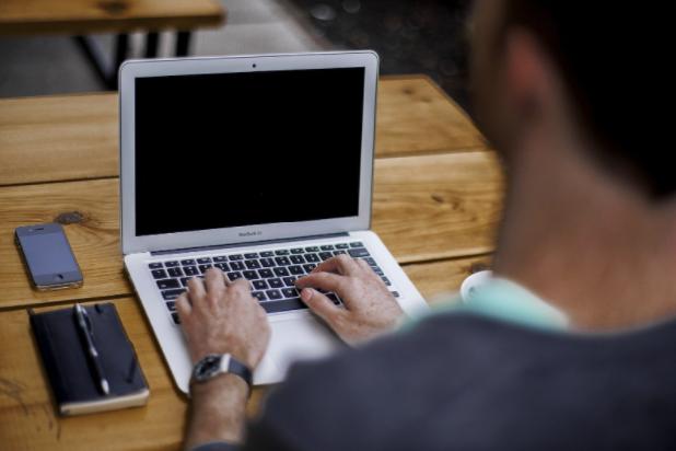 Ce promite programul Dynamics 365 reprezentanţilor afacerilor care doresc să fie în pas cu tehnologia?