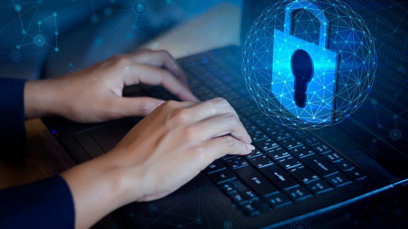 Cum verifici daca exista vulnerabilitati in sistemul Linux pe servere VPS?