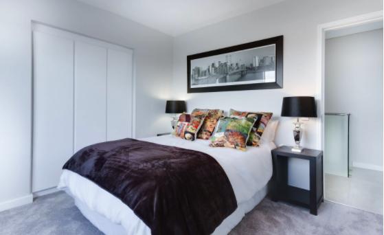 Dormitor din lemn masiv pentru confortul tău