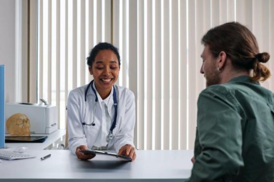 Care este diferența dintre un psihiatru și un psiholog?